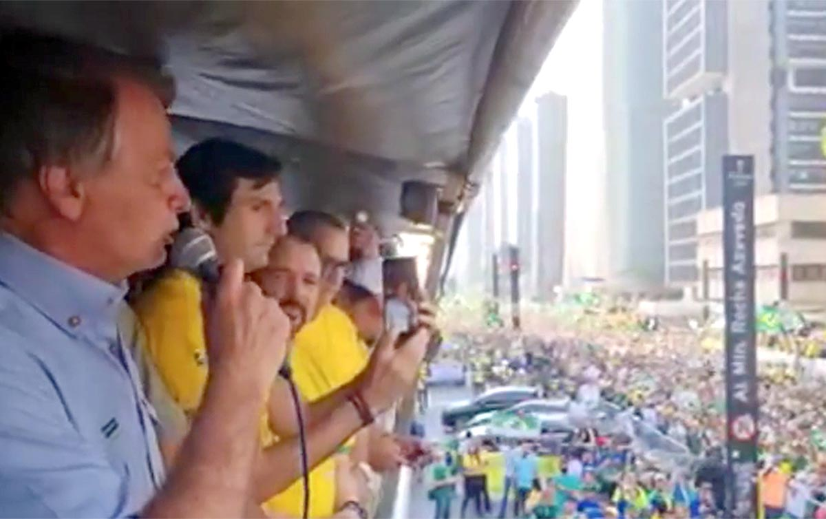 Bolsonaro Não quer Golpe agora, mas Inviabilizar as Eleições de 2022